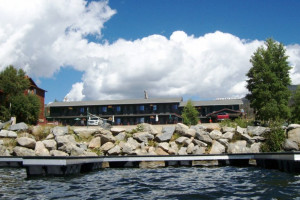 Western Riviera Lakeside Motel & Cabins