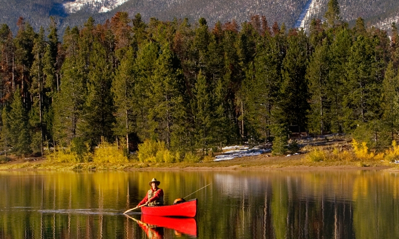 Canoeing on Lake Dillon