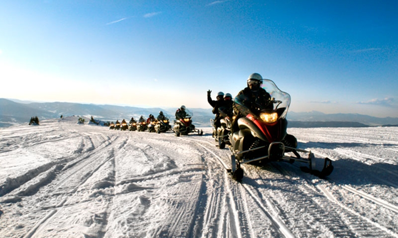 Continental Divide Snowmobiling Tour near Winter Park Colorado